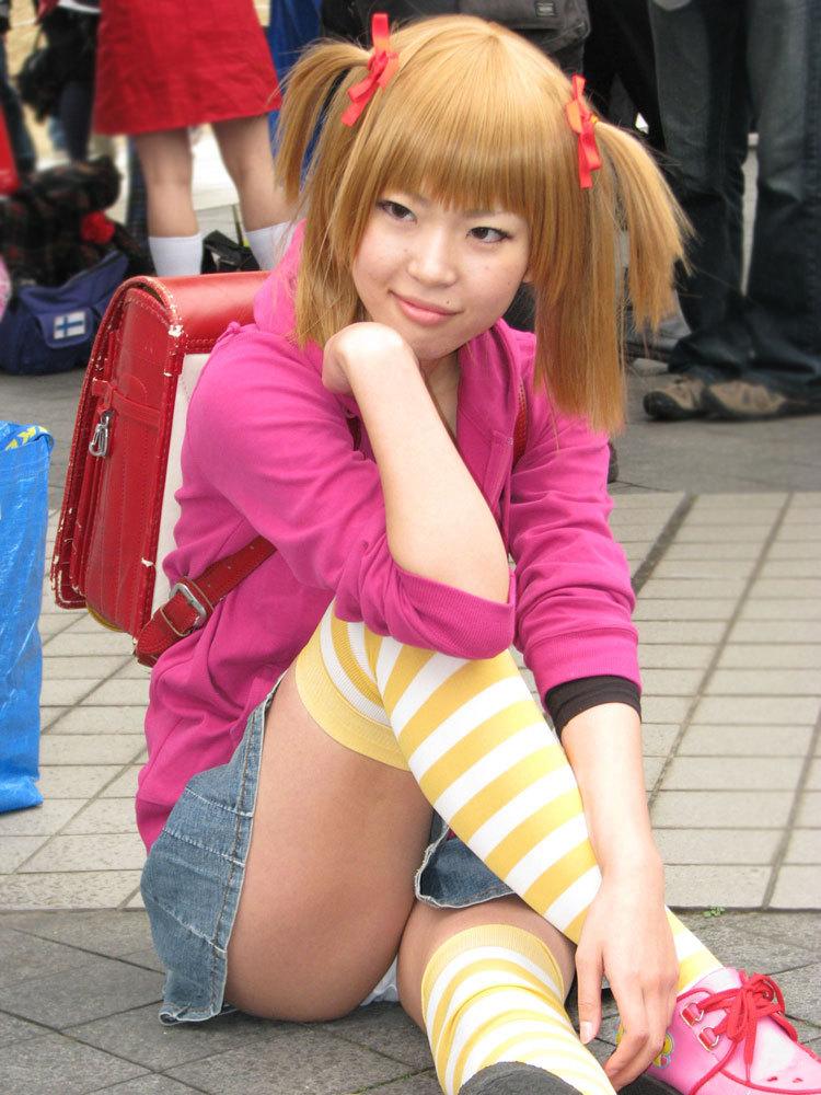 【コミケエロ画像】イベント会場で過激衣装で観衆を魅了するコスプレイヤー! 48