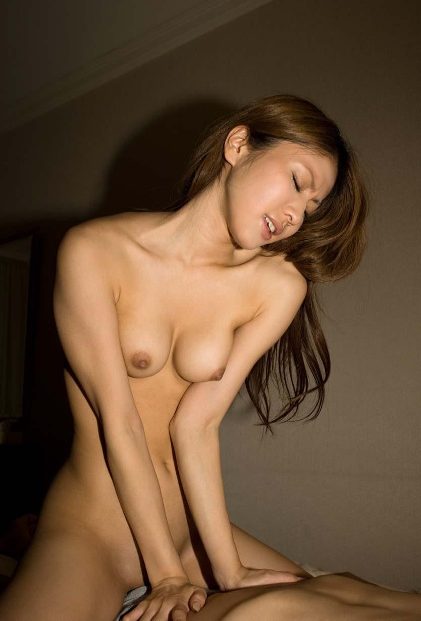 【騎乗位エロ画像】女の子がセックスの主導権をとる体位ってエロいよな!? 21