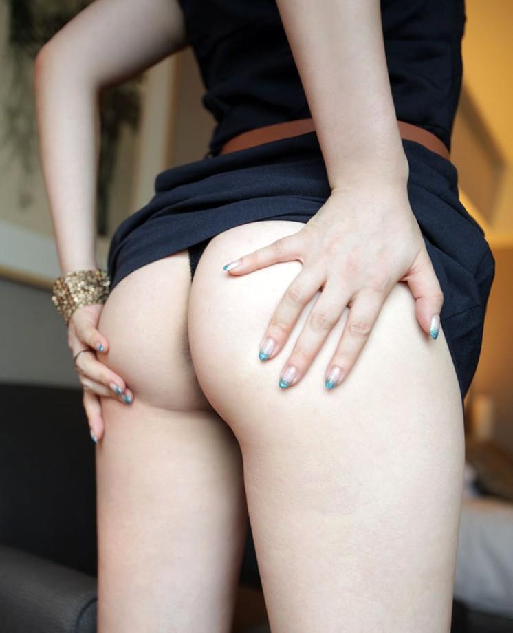 【美尻エロ画像】女の子らしい丸いお尻!見ているだけでも勃起する! 04