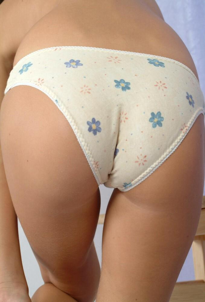 【美尻エロ画像】女の子らしい丸いお尻!見ているだけでも勃起する! 44