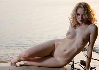 【白人ヌードエロ画像】白人美女たちのまるで芸術!?みたいな美しすぎるヌード!