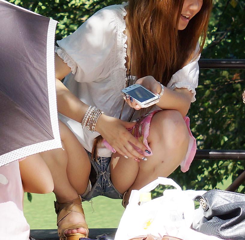 【ホットパンツエロ画像】街中で見かけたホットパンツの女の子を追跡したったww 12