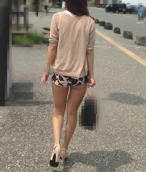 【ホットパンツエロ画像】街中で見かけたホットパンツの女の子を追跡したったww 28