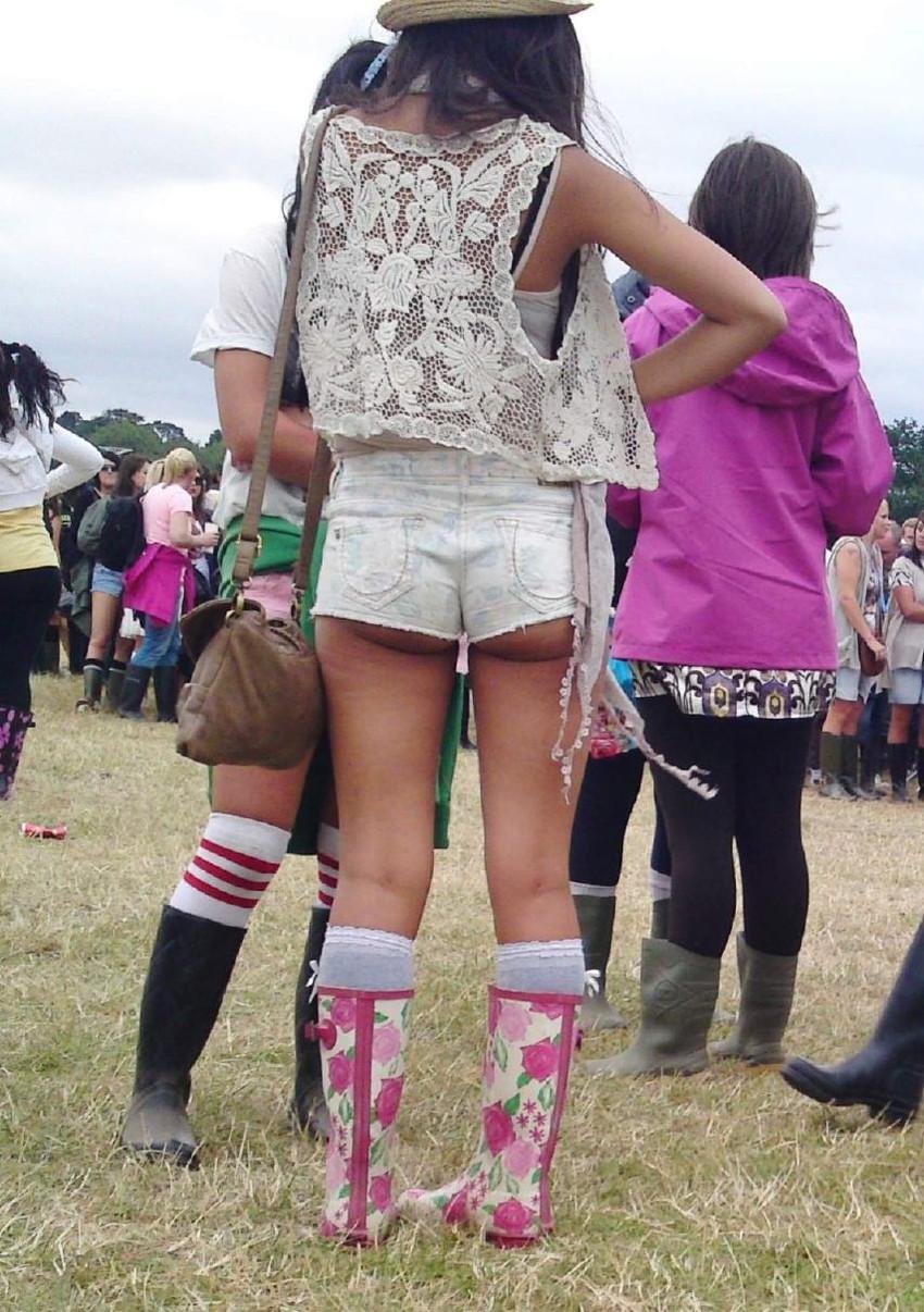 【ホットパンツエロ画像】街中で見かけたホットパンツの女の子を追跡したったww 37