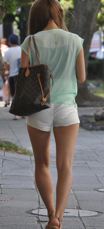 【ホットパンツエロ画像】街中で見かけたホットパンツの女の子を追跡したったww 40