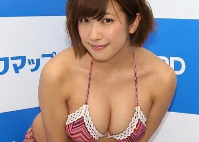 元SKE48お○ぱい担当 佐藤聖羅が褐色になったムチムチボディを見せてる件