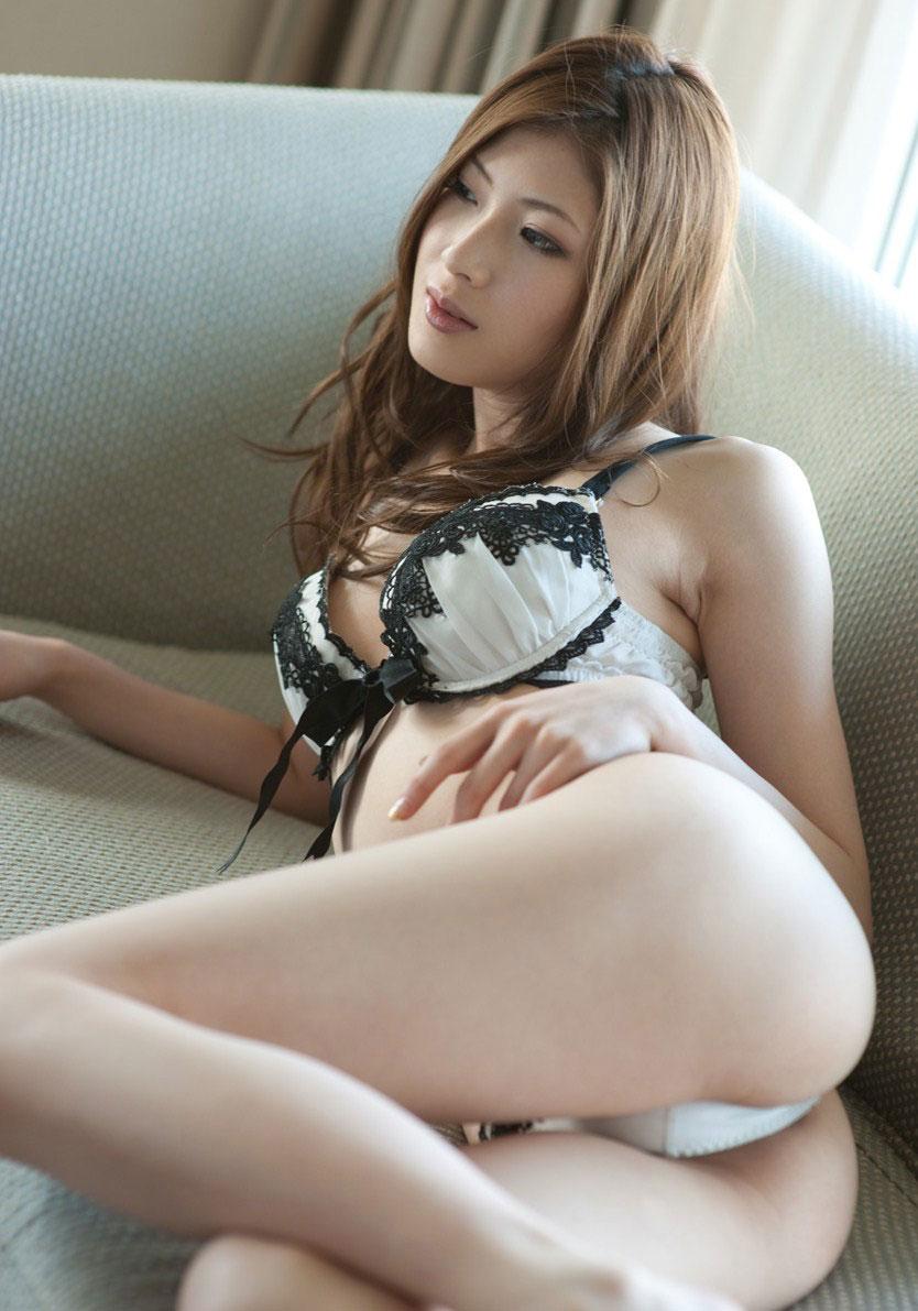 【セクシーランジェリーエロ画像】エロい!?セクシー?過激下着の女の子たち! 16