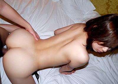 【バックエロ画像】バックでセックスするとなんとなくレイプしている気分にならんか?