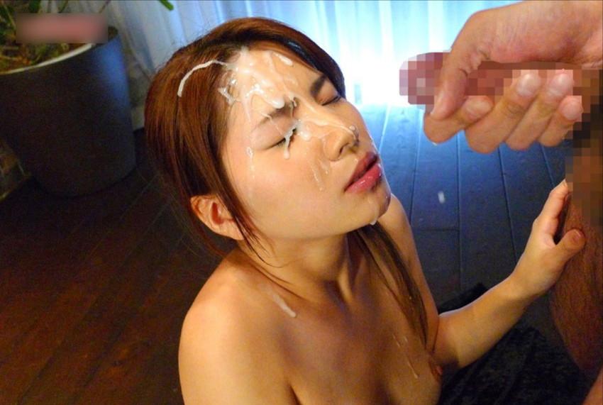 【顔射エロ画像】顔にベットリとかけられたザーメンが卑猥すぎ!www 23