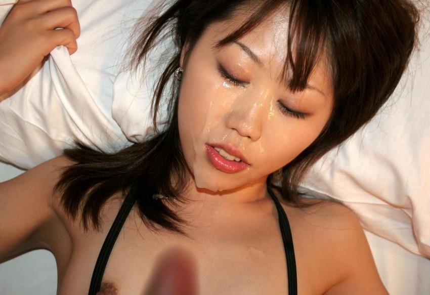 【顔射エロ画像】顔にベットリとかけられたザーメンが卑猥すぎ!www 24