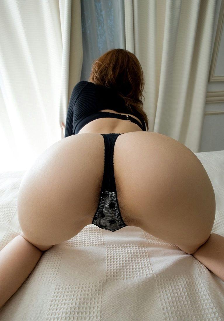 【Tバックエロ画像】Tバックに彩られた女の子のお尻がセクシー!wwww 29