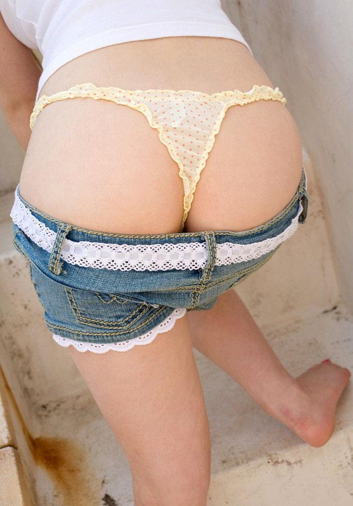 【Tバックエロ画像】Tバックに彩られた女の子のお尻がセクシー!wwww 40