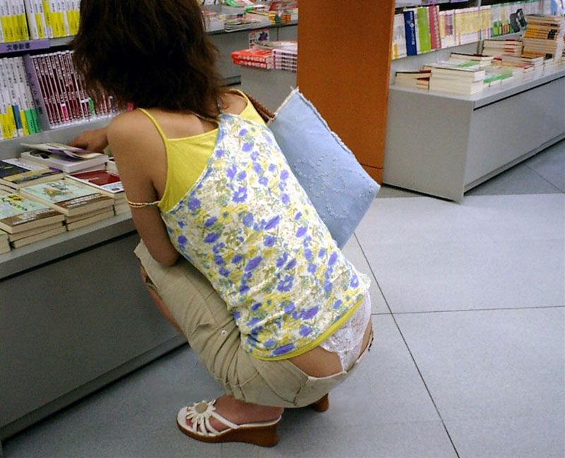 【ローライズエロ画像】これは見せすぎ!?ローライズファッションってエロいよな! 20