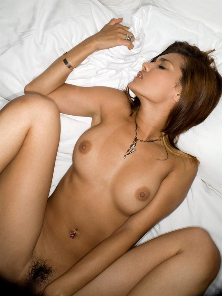 【正常位エロ画像】セックスで一番オーソドックスな体位っていったらコレだよな!? 41