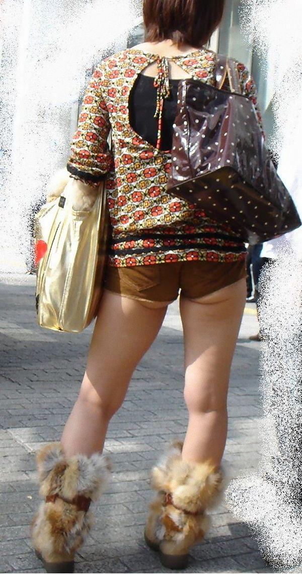 【ホットパンツエロ画像】ついついストーキングしてしまいそうなホットパンツ女子ww 08