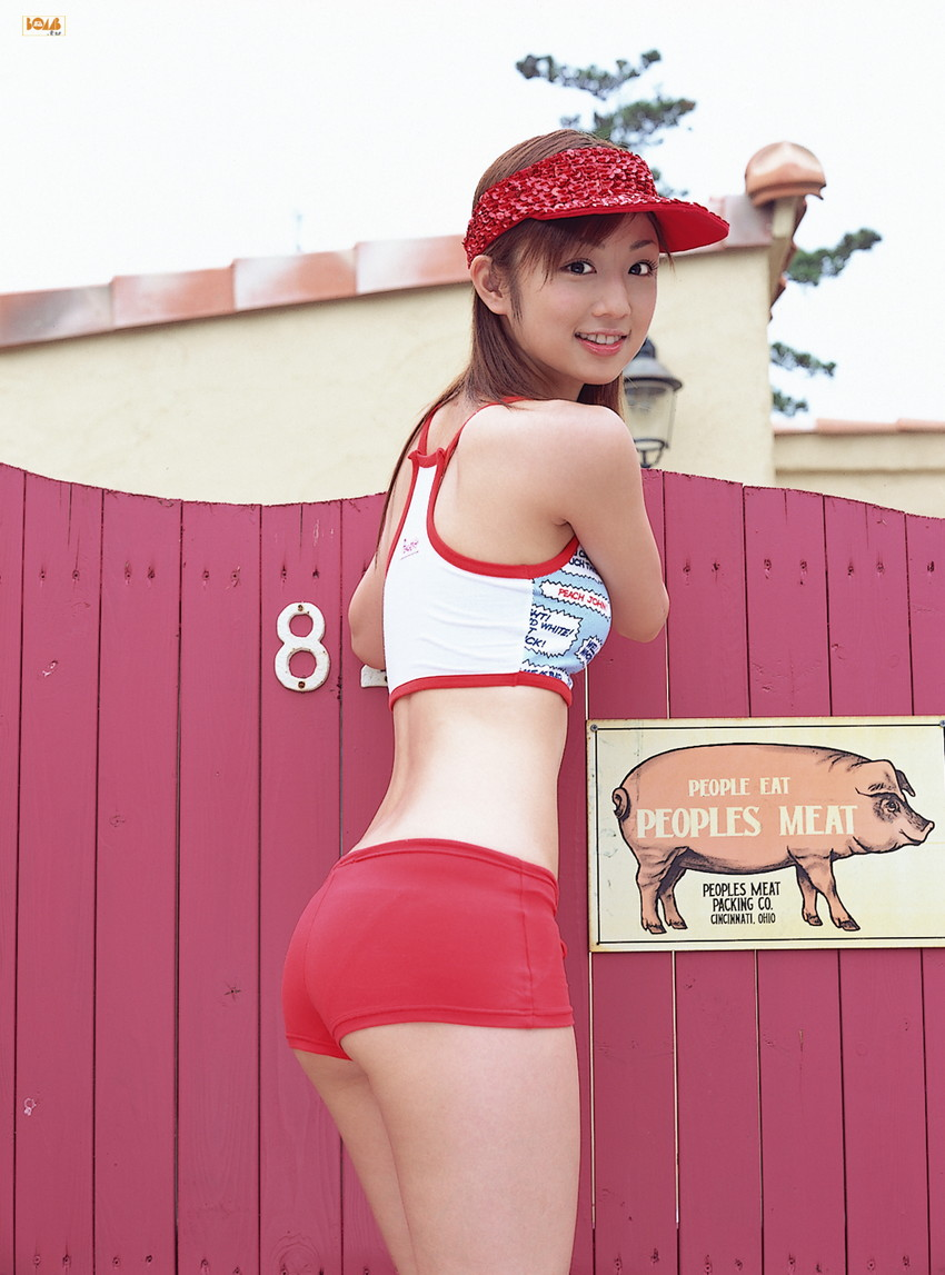 【ホットパンツエロ画像】ついついストーキングしてしまいそうなホットパンツ女子ww 41
