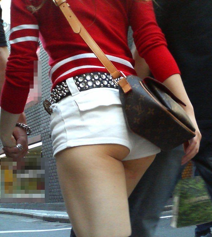 【ホットパンツエロ画像】ついついストーキングしてしまいそうなホットパンツ女子ww 47