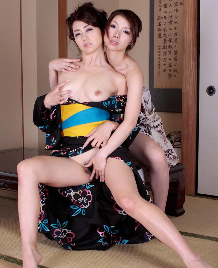 【レズビアンエロ画像】ホモは無理だけど、レズビアンは大歓迎ってやついるんじゃない? 42