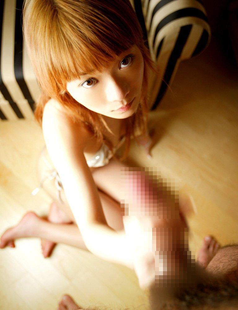 【手コキエロ画像】女の子にしてもらうからこそ意味がある!手コキ画像! 11