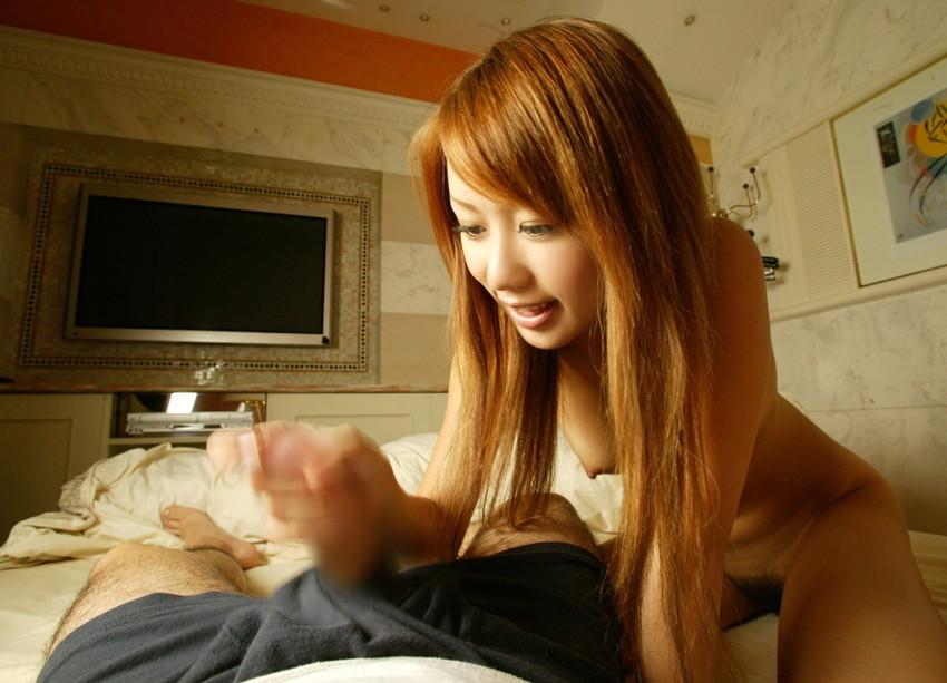 【手コキエロ画像】女の子にしてもらうからこそ意味がある!手コキ画像! 33