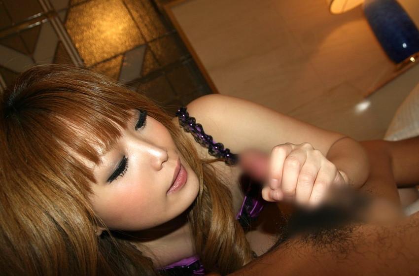 【手コキエロ画像】女の子にしてもらうからこそ意味がある!手コキ画像! 37