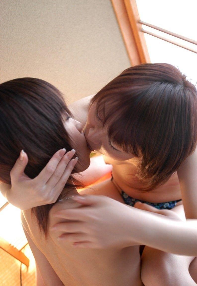 【レズビアンエロ画像】女の子同士による生々しくも艶やかなレズビアンプレイ! 18
