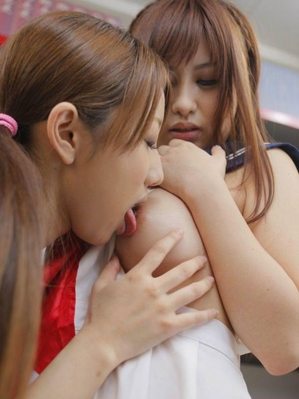 【レズビアンエロ画像】女の子同士による生々しくも艶やかなレズビアンプレイ! 43