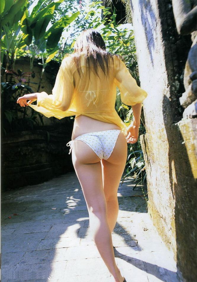 【美尻エロ画像】ぷりんぷりんの女の子らしい美尻に思わず勃起したwwww 05