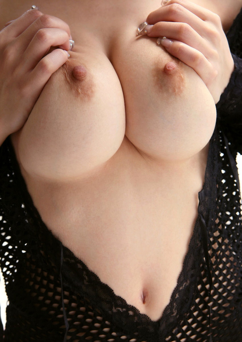 【巨乳エロ画像】巨乳好きのヤツ必見!大きなおっぱいは世の中の男性の希望!w 04