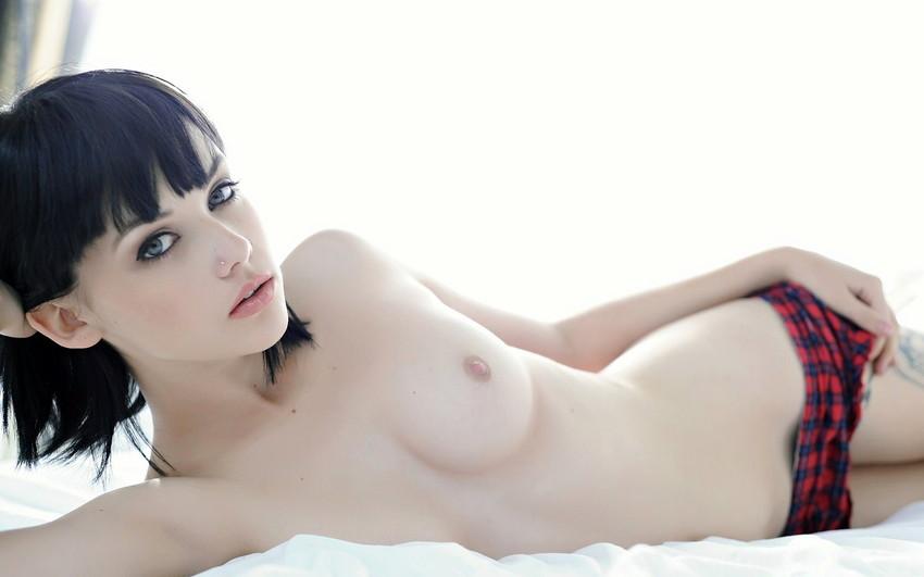 【洋物ちっぱいエロ画像】海外女性イコール巨乳は間違っている!ちっぱいの海外女子! 31