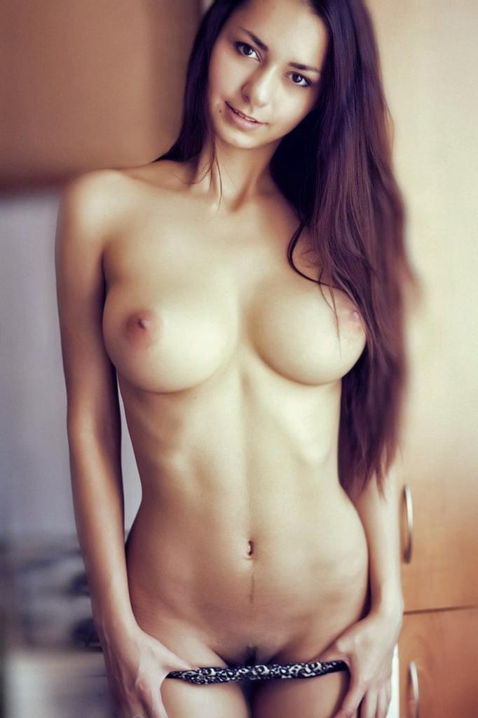 【海外美乳エロ画像】眩しすぎて目がくらむ!?海外の女の子たちの美しすぎるおっぱい! 54