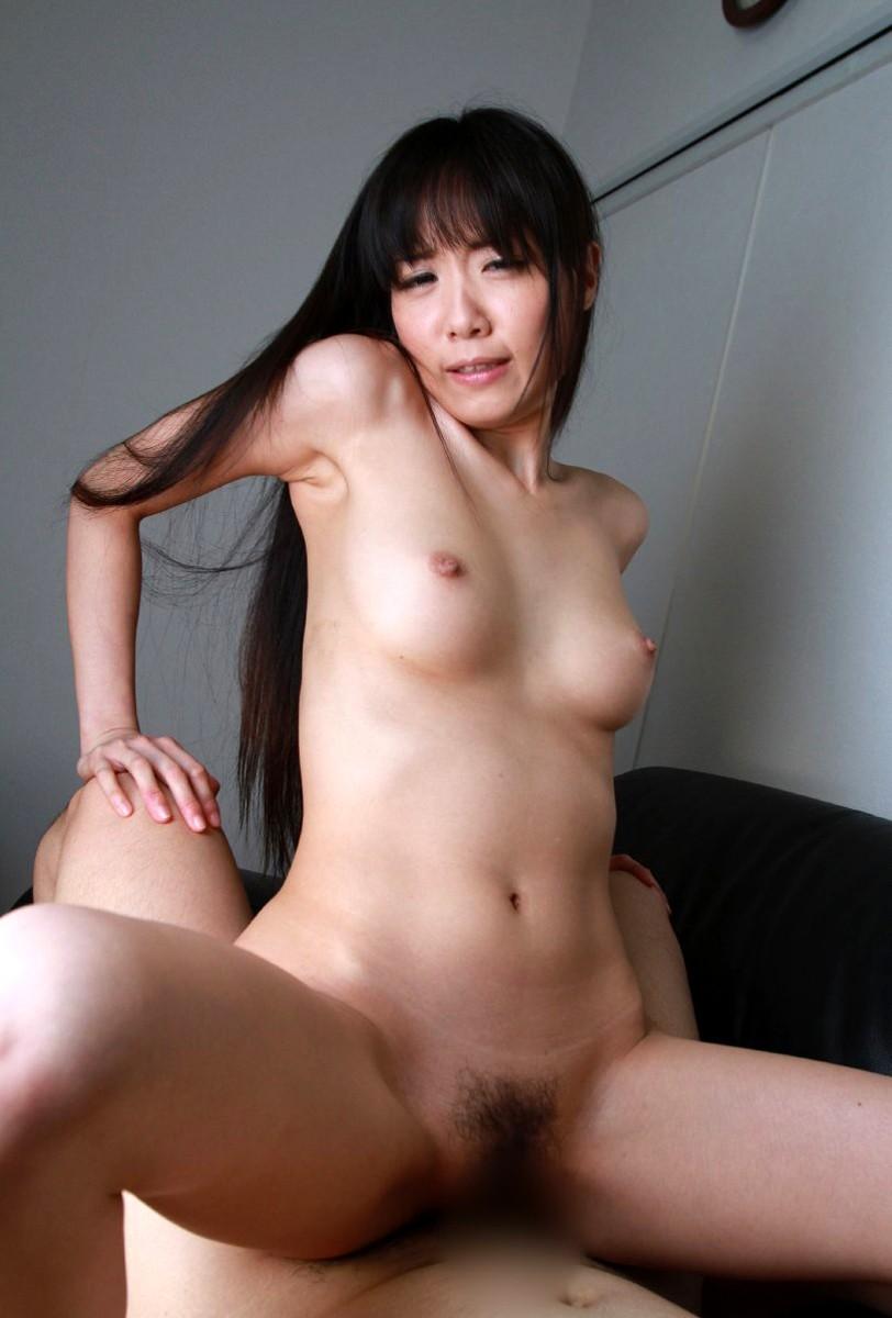 【騎乗位エロ画像】主導権を女が握れるから自分のペースでセックスを楽しめる! 07