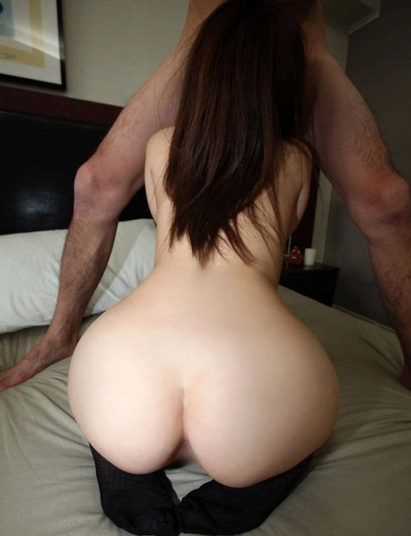 【全裸フェラチオエロ画像】セックス事前?事後!?全裸でフェラチオしている女! 42