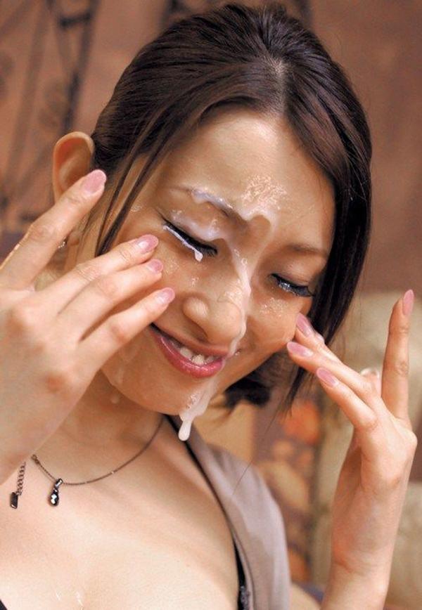 【顔射エロ画像】ドロドロに汚された顔面!滴るザーメンが激エロッ! 37