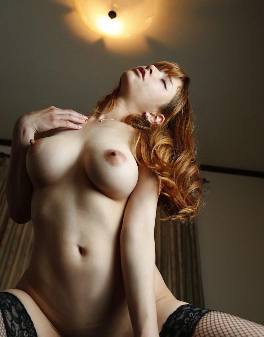 【騎乗位エロ画像】自ら快楽を求めて腰を使う騎乗位でセックスする女エロ杉! 33