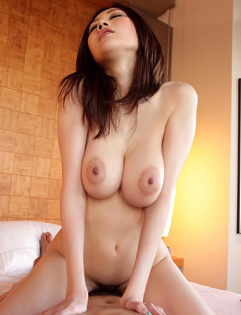 【騎乗位エロ画像】自ら快楽を求めて腰を使う騎乗位でセックスする女エロ杉! 36