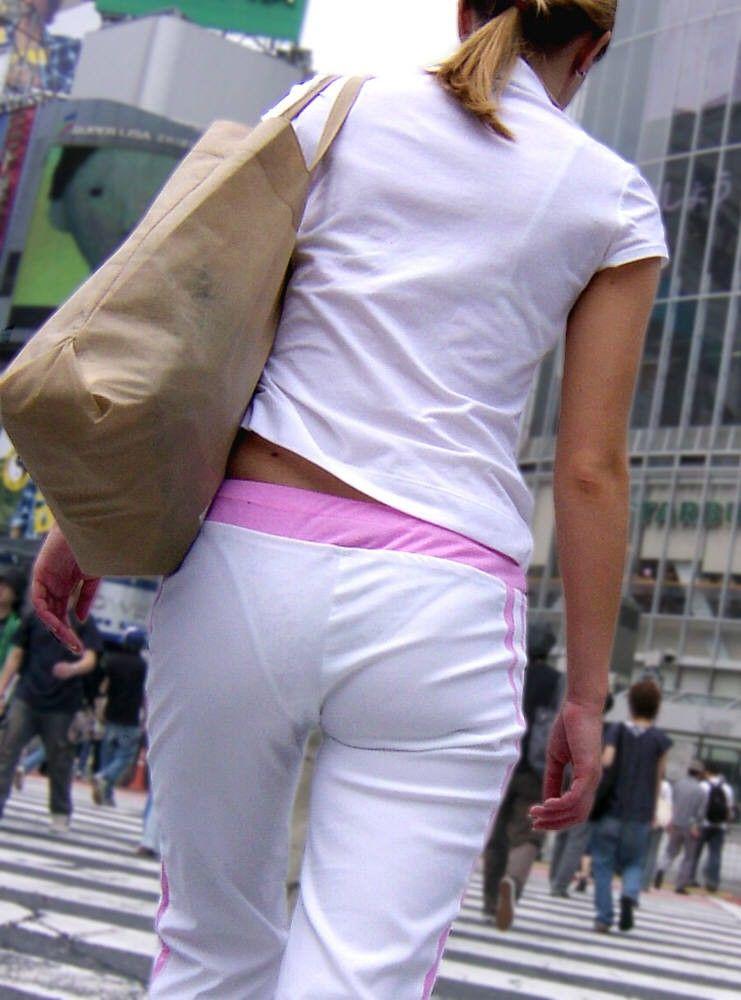 【ローライズエロ画像】ローライズというパンチラし放題のファッションエロ杉! 10