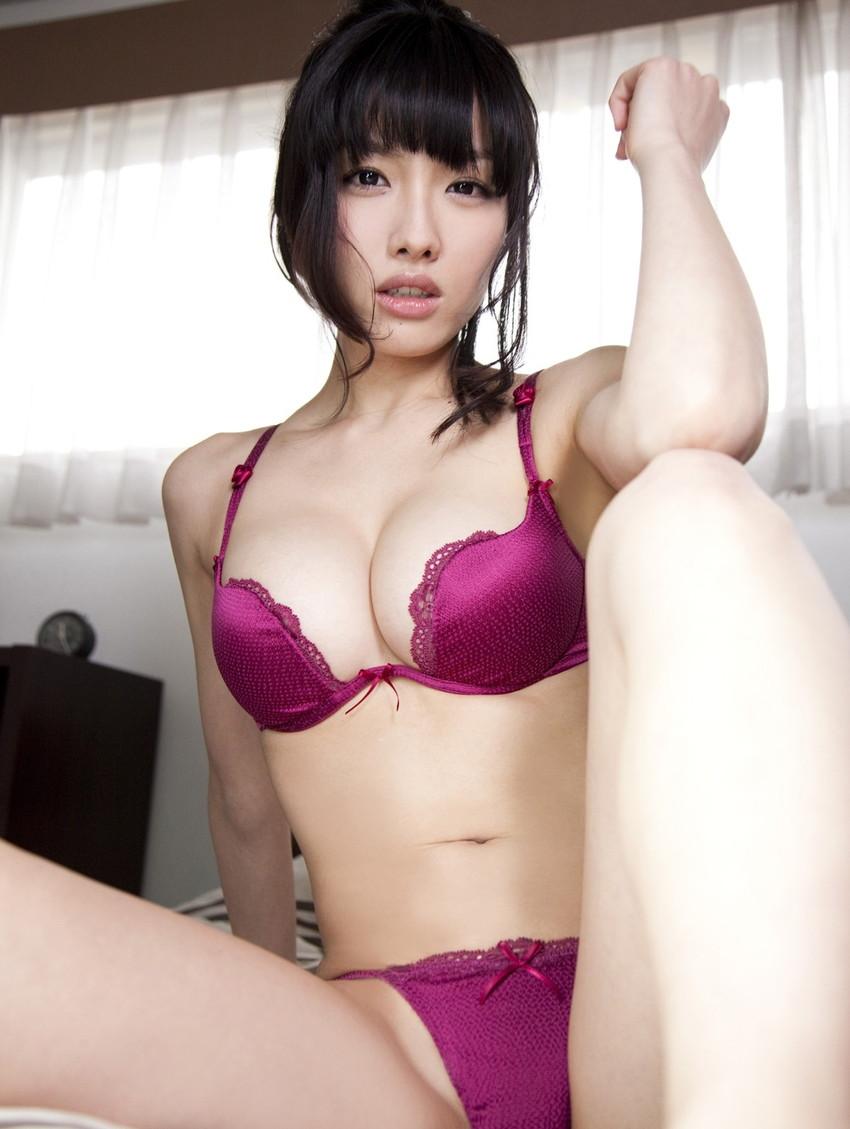 【セクシーランジェリーエロ画像】見るものを意識したセクシーすぎるエロ下着! 23
