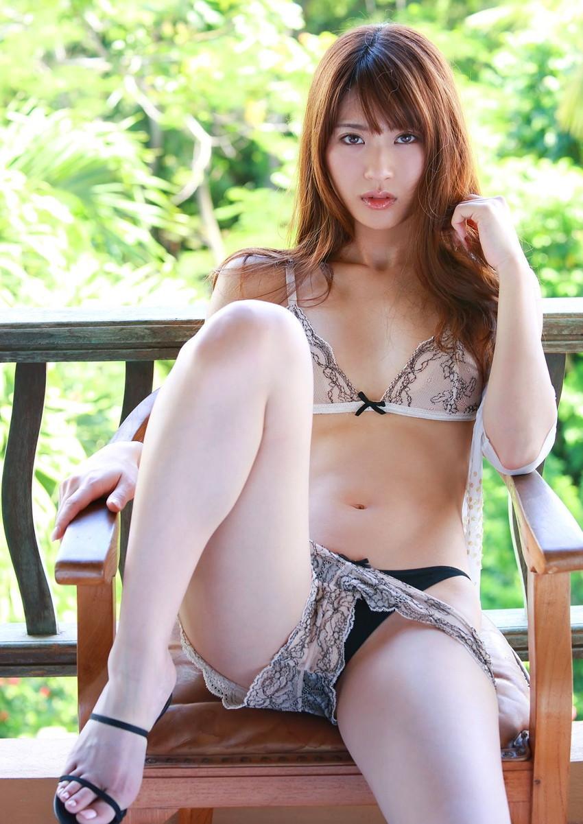 【セクシーランジェリーエロ画像】見るものを意識したセクシーすぎるエロ下着! 37