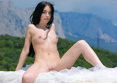 【海外ちっぱいエロ画像】たまにはこんな、海外の女の子の微乳も良いと思う!