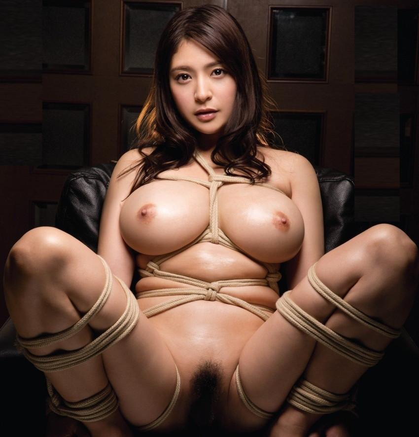 【緊縛プレイエロ画像】拘束されて自由のきかなくなった女の子の身体を玩具に!? 53