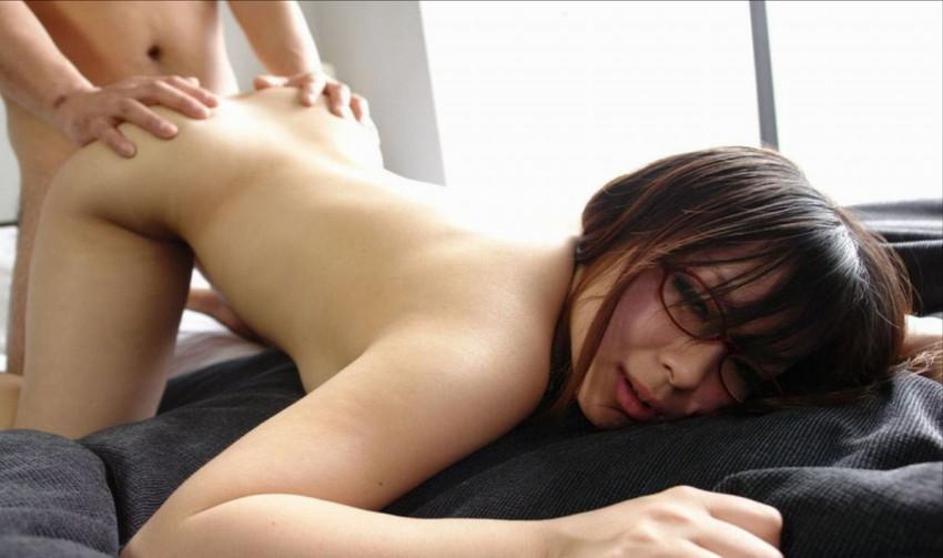 【後背位エロ画像】後ろから女の子の美尻を眺めながらチンポを突き立てる! 45