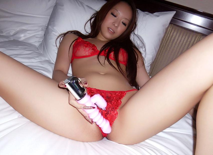 【バイブオナニーエロ画像】美味しそうにバイブを飲み込む膣口が卑猥すぎッ! 41