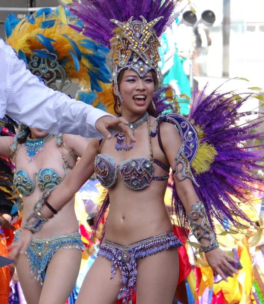 【サンバエロ画像】日本にもあった!下着同然で踊りまくりのサンバ祭り! 38