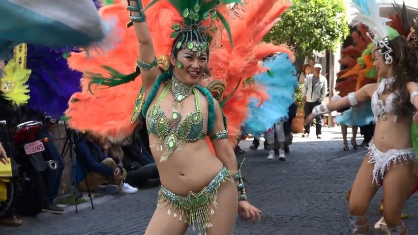 【サンバエロ画像】日本にもあった!下着同然で踊りまくりのサンバ祭り! 42