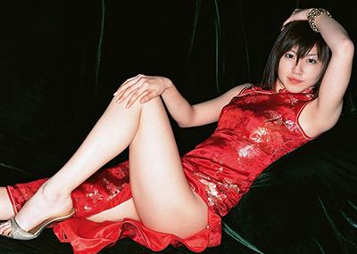 正直、チャイナ服のスリットから見える剥き出しの太ももってたまらんよなwww(画像15枚)