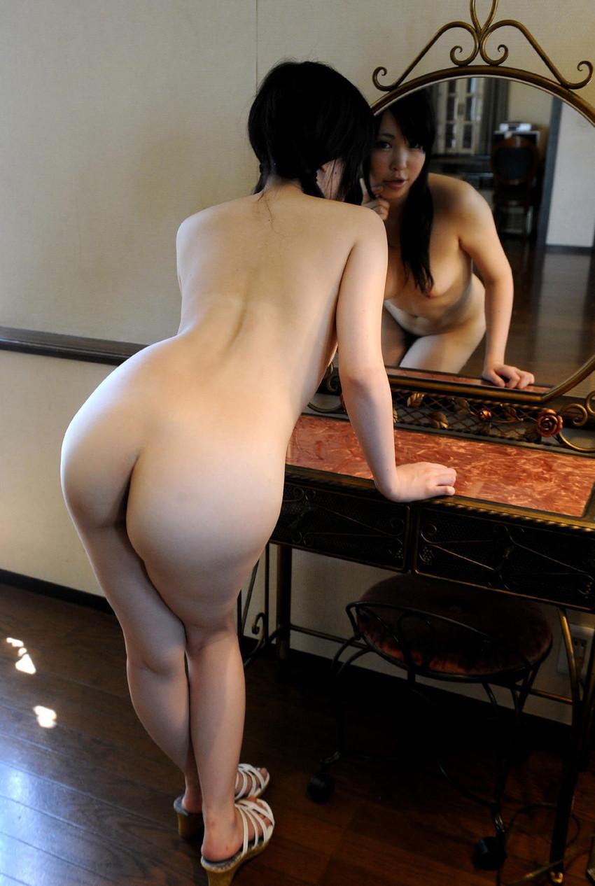 【美尻エロ画像】売れた果実のようにぷるんぷるんな女の子の美尻にズームイン! 05