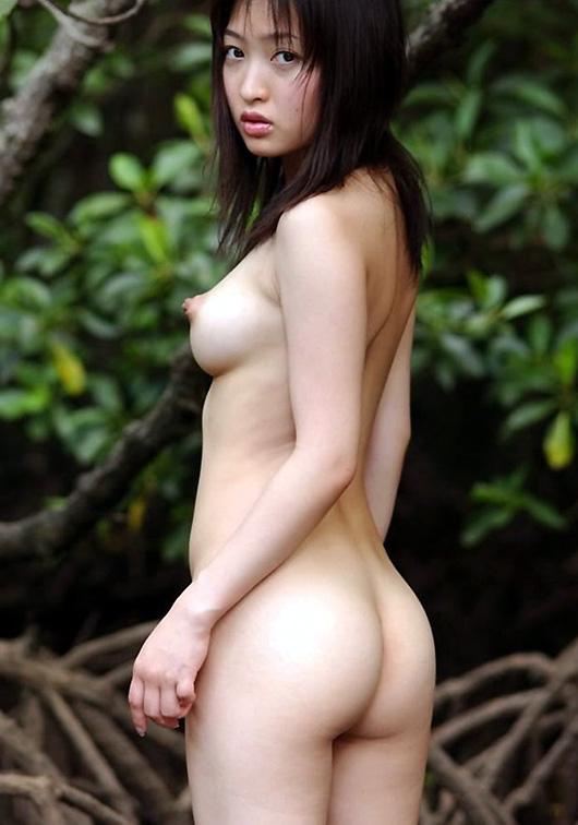 【美尻エロ画像】売れた果実のようにぷるんぷるんな女の子の美尻にズームイン! 07