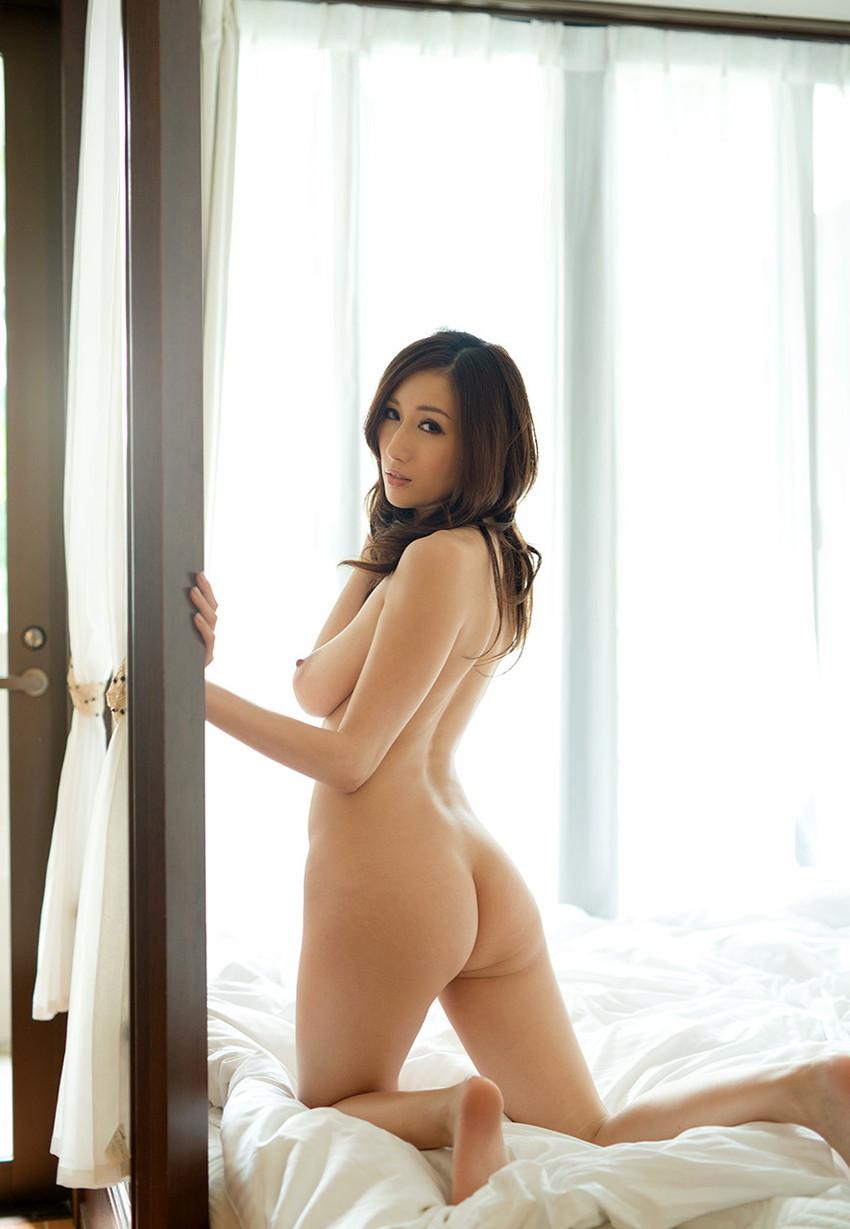 【美尻エロ画像】売れた果実のようにぷるんぷるんな女の子の美尻にズームイン! 21