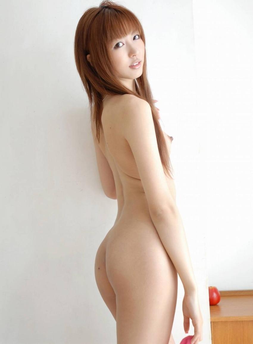 【美尻エロ画像】売れた果実のようにぷるんぷるんな女の子の美尻にズームイン! 42